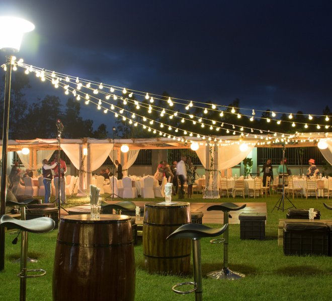 Urban_Live_events_outdoor_pergola_reception_barrels