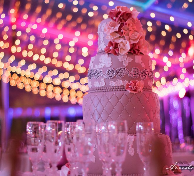 Urban_live_events_wedding_cake_fairy_lighting