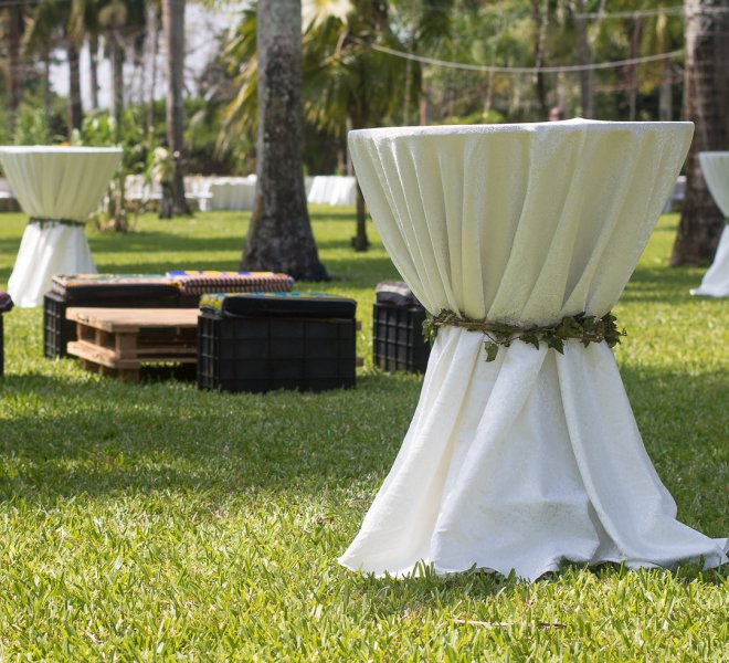 cocktail_table_with_ivy_tie_urban_live_events