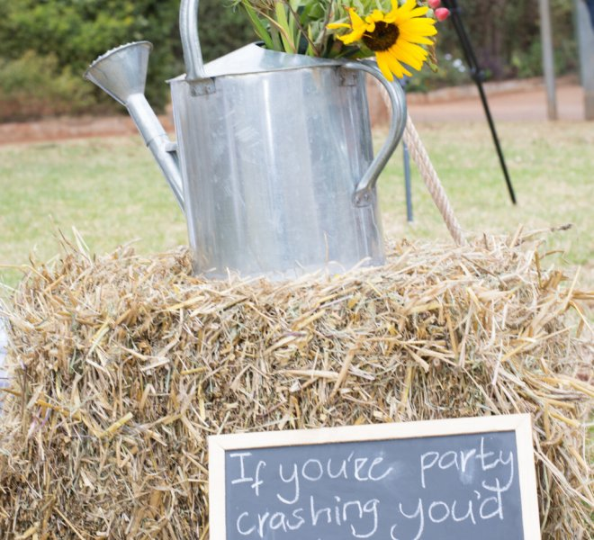 watering_can_with_floral_and_hay_urban_live_events (FILEminimizer)